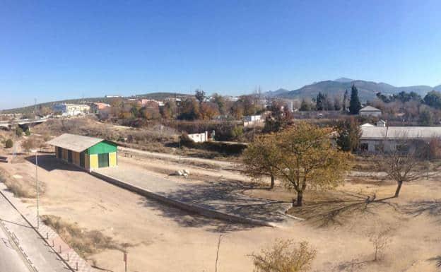 Acuerdo para que Torredonjimeno se haga con los terrenos de la antigua cementera