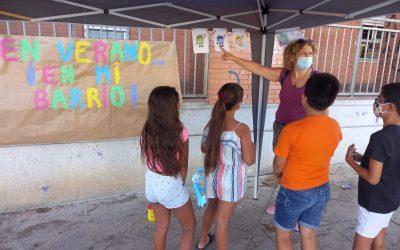 El Programa de Animación Sociocultural de la Estrategia Eracis ofrece un taller de reciclaje a niños y niñas del Bulevar