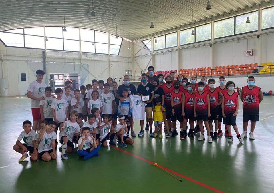 """El """"Linabasket"""" disfrutó del campus deportivo de Castillo de Locubín"""