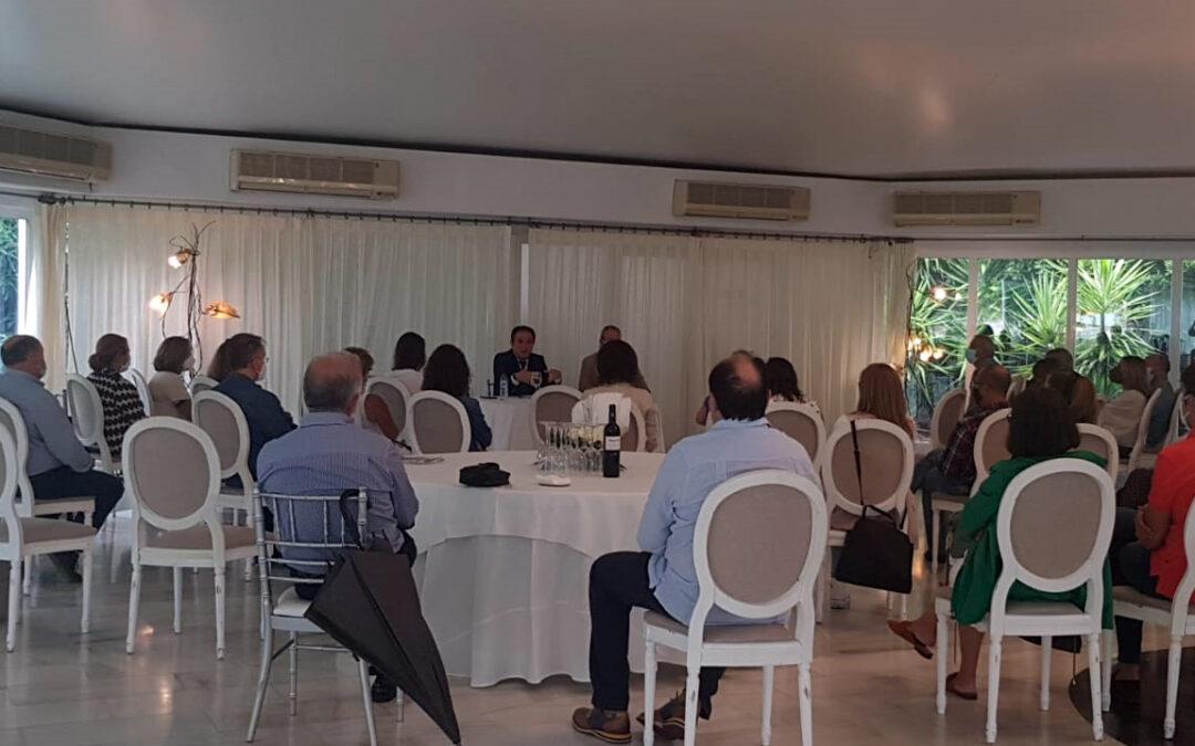 Farmacéuticos de la zona de Linares analizan el presente y futuro de la profesión