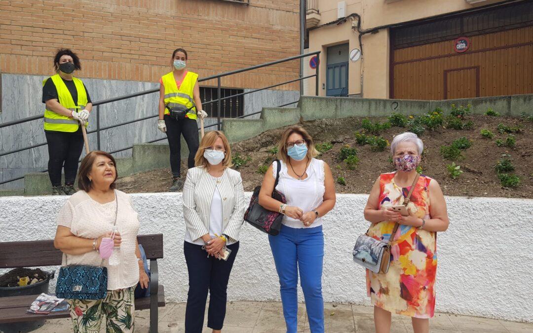María del Carmen Angulo visita los trabajos de mejora que se están acometiendo en el barrio de San Roque