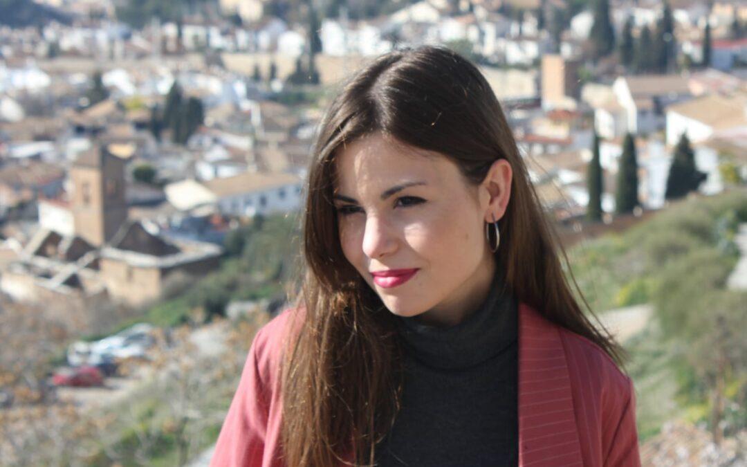 """La tosiriana María Elena Higueruelo, galardonada con el Premio Nacional de Poesía Joven 'Miguel Hernández' 2021 por la obra """"Los días eternos"""""""