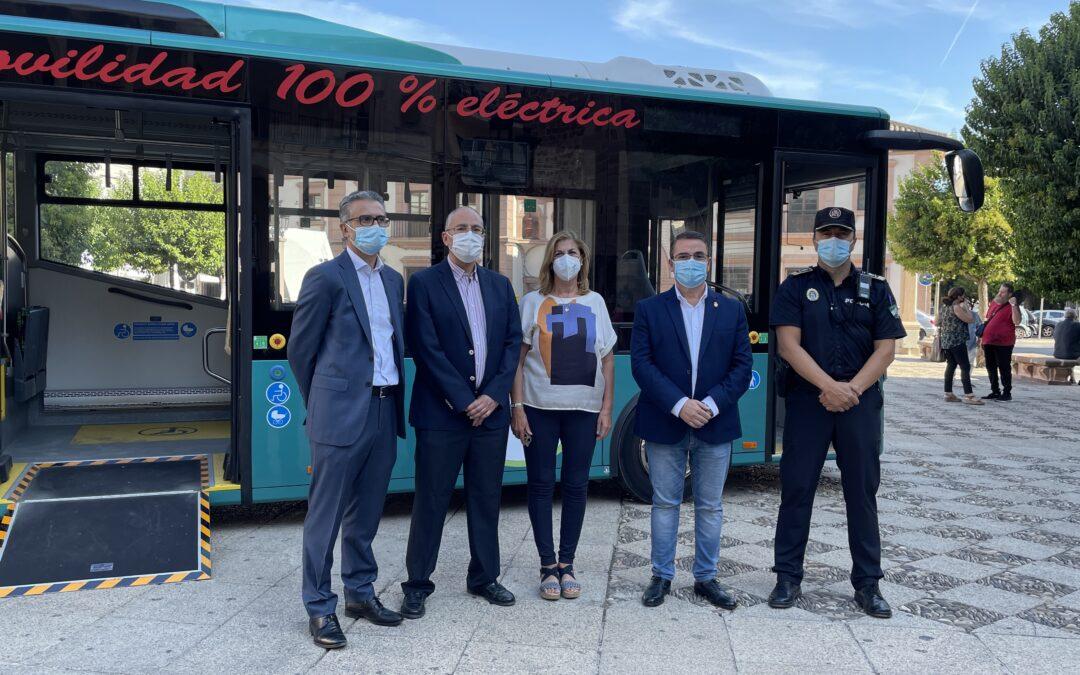 El Ayuntamiento evalúa las prestaciones que ofrece un autobús eléctrico en el viaje de Andújar hasta el Santuario de la Virgen de la Cabeza