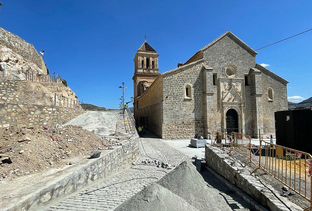Alcaudete avanza en las obras del entorno de Santa María y Plaza 28 de Febrero