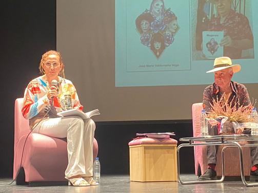 """José María Valderrama presenta su libro """"Mujeres"""" en el Teatro del Centro Cultural de la Villa"""