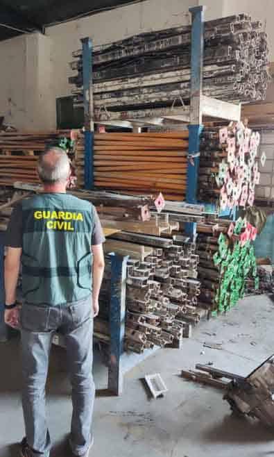 Pillados por robar y receptar materiales de construcción en Andújar