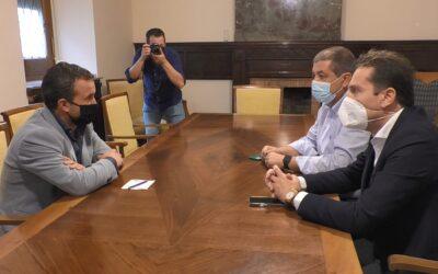 La Seguridad Social comunica en un auto la liquidación del Real Jaén, pero Méndez mantendrá una reunión mañana para proponer una forma de pago, desbloquear las cuentas y realizar de inmediato el pago a la Comisión Mixta para evitar la desaparición del club