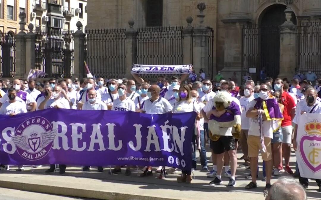 """La oposición, excepto Podemos, piden al alcalde """"actuar para salvar al Real Jaén"""""""