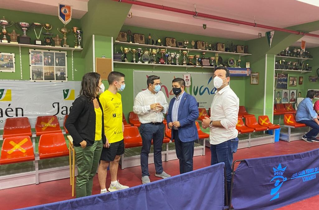 Francisco Reyes valora el trabajo y los resultados deportivos del Club de Tenis de Mesa de Linares