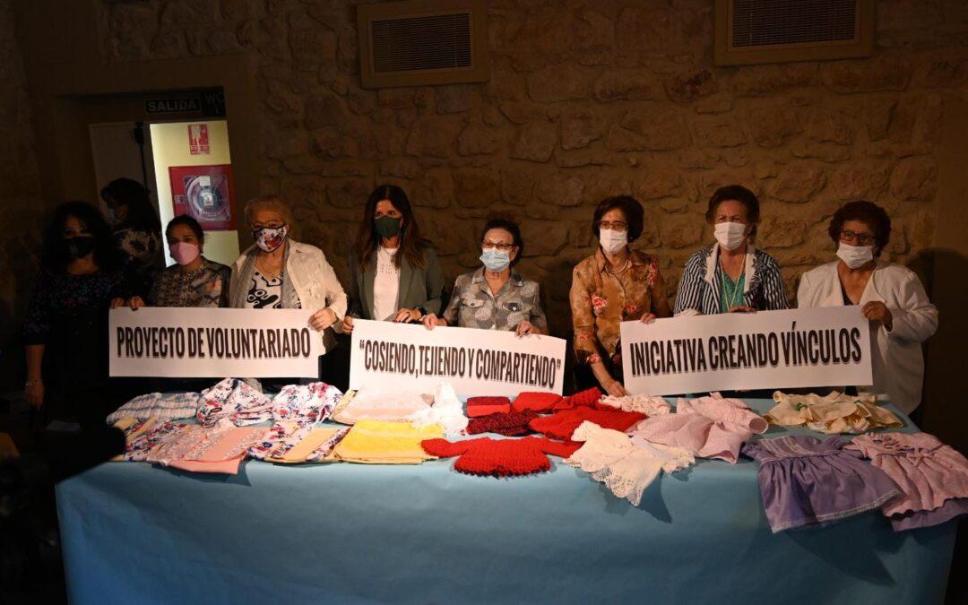 Los mayores de Linares participan en una muestra solidaria