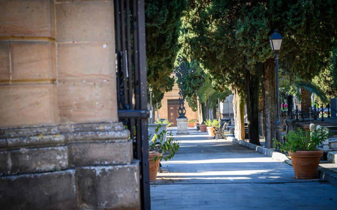 Los cementerios de Linares amplían sus horarios