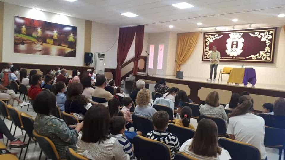 El centro social de Los Noguerones se llenó de historias