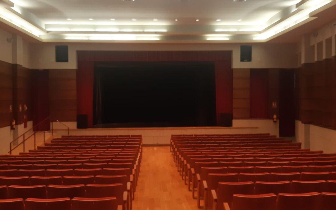 """El Teatro Municipal """"Alcalde Miguel Anguita"""" ya luce una nueva imagen después de su remodelación"""